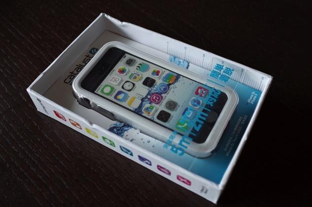 海水浴で大活躍!浸水や落下からiPhoneを守る防水ケース「Catalyst(カタリスト)」が便利!