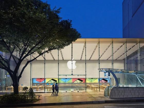 Apple Store 表参道店に「iPhone 6」「iPhone 6 Plus」当日販売分在庫を大量確保の情報!