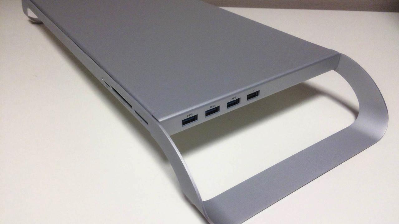 USB3.0ポートが3基ついている