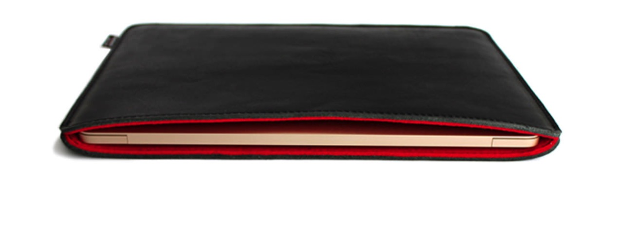 Oiled leather sleeve for macbook 12 inch made by craftsmen1