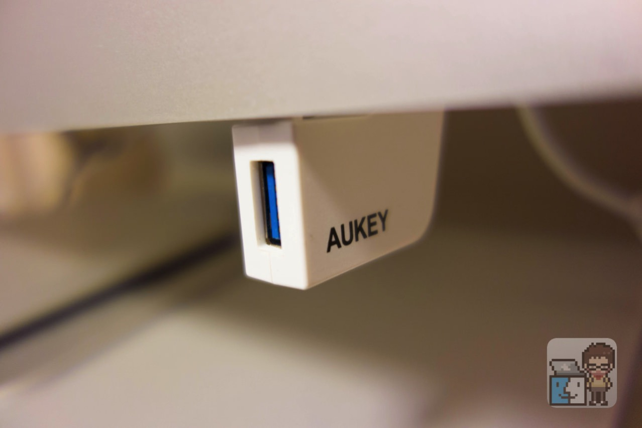 Aukey usb30 hub usb connector4