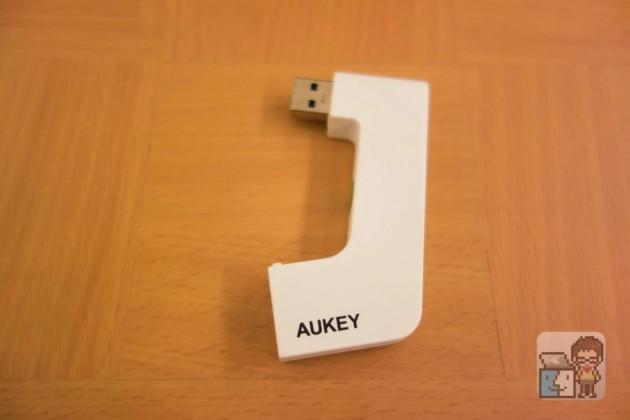 【レビュー】iMac の後ろにあるUSBポートを前からアクセスできる「Aukey USB 3.0 ハブ USBコネクタ」