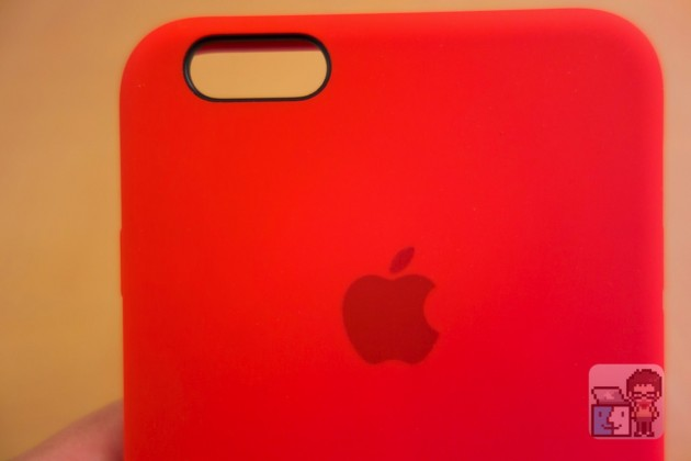 Apple 純正「iPhone 6s/ 6s Plus シリコーンケース」の上手な外し方