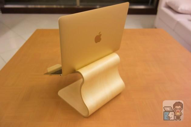 【レビュー】美しく温もりのあるMacBook 対応 木製スタンド「MOKU Desktop Stool」