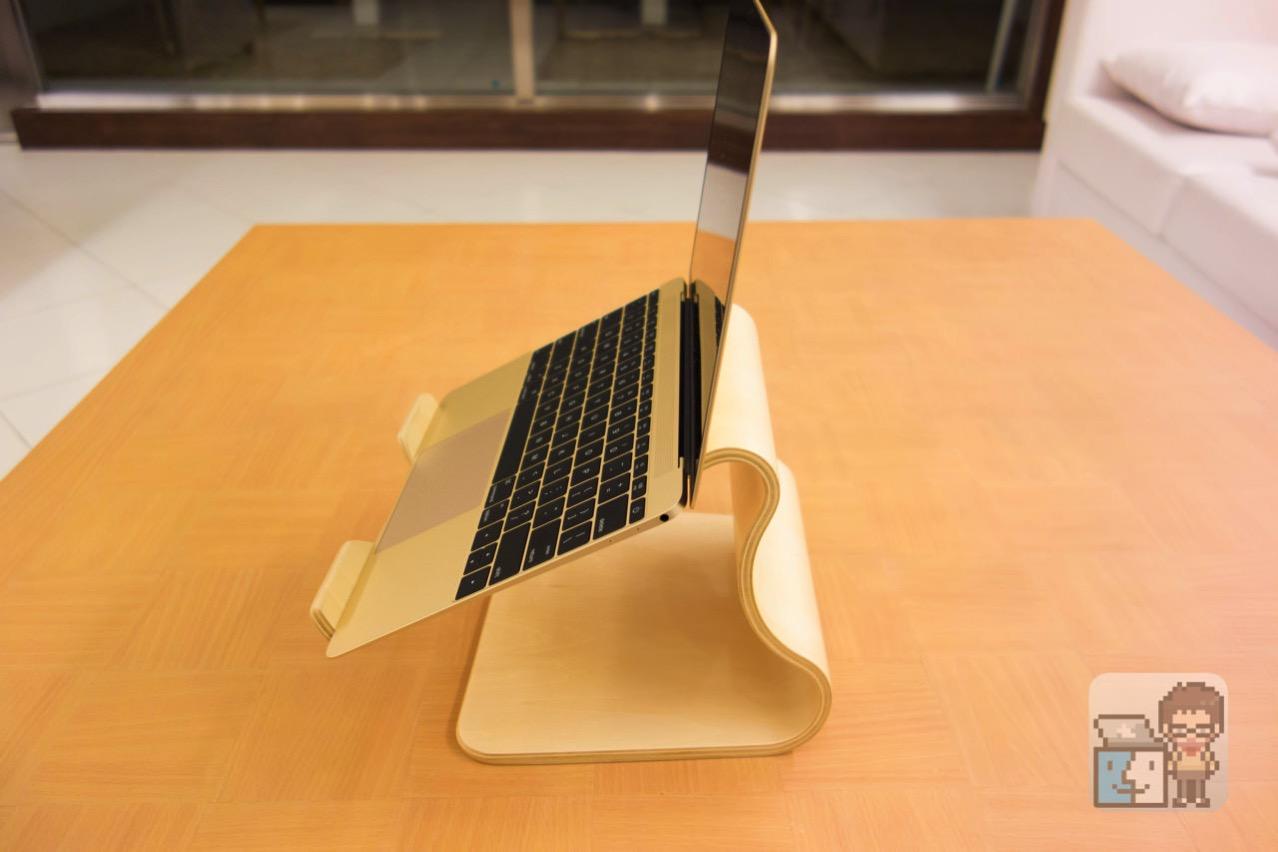 Unboxing moku desktop stool4