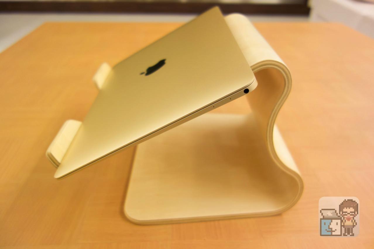 Unboxing moku desktop stool8