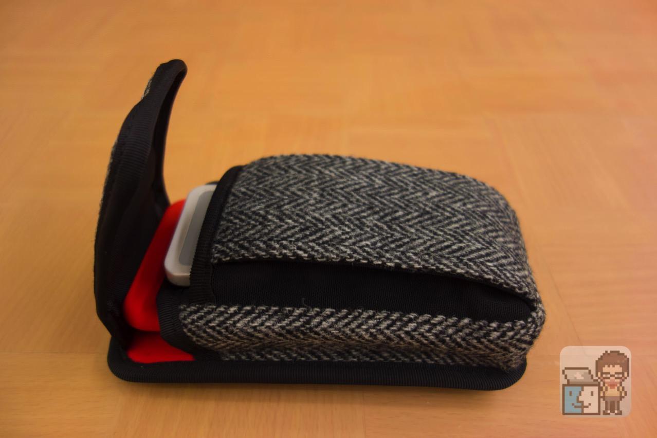 Dual slot case harris tweed edition2