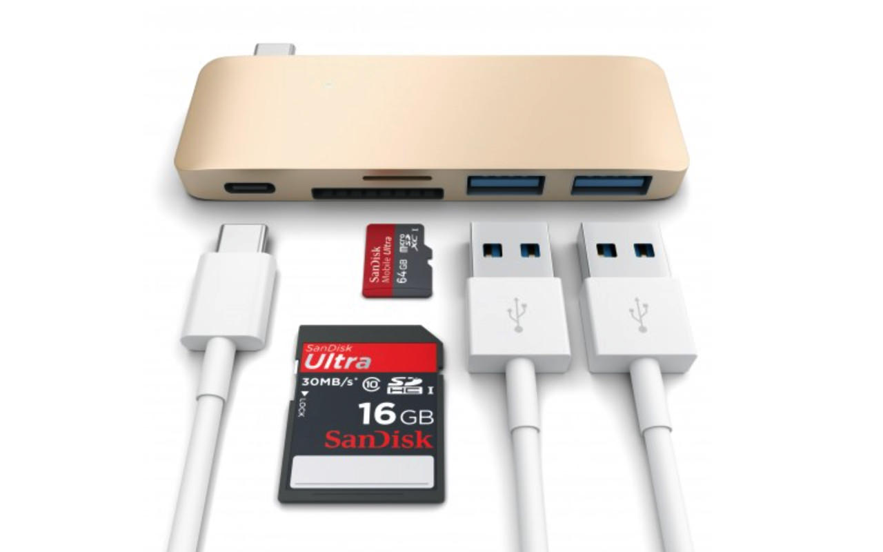 Satechi type c pass through usb hub with usb c charging port1