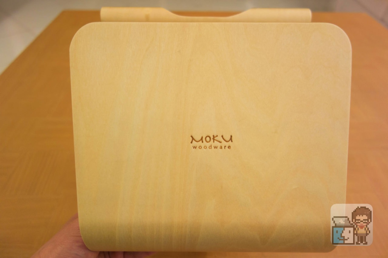Unboxing moku desktop stool12