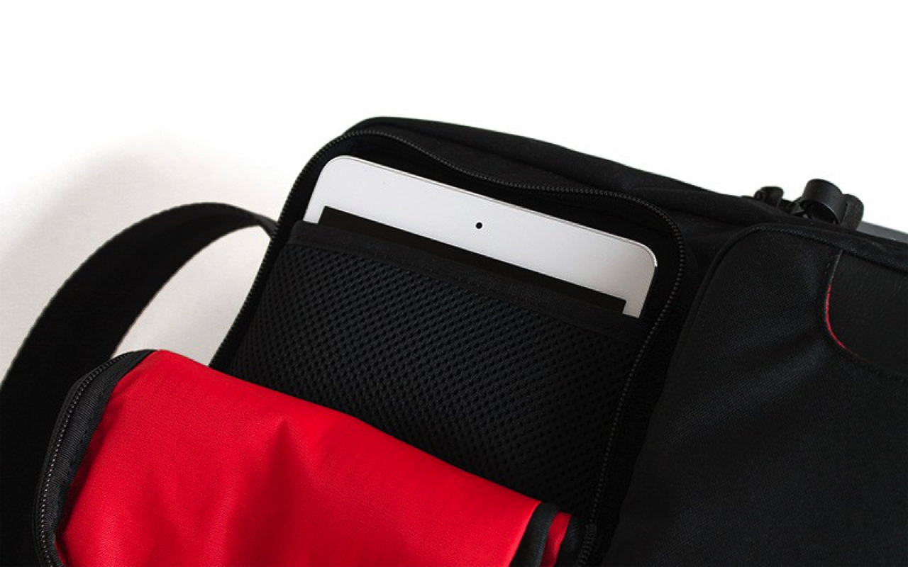 Reservation of the small shoulder bag 4g for the tablet started3