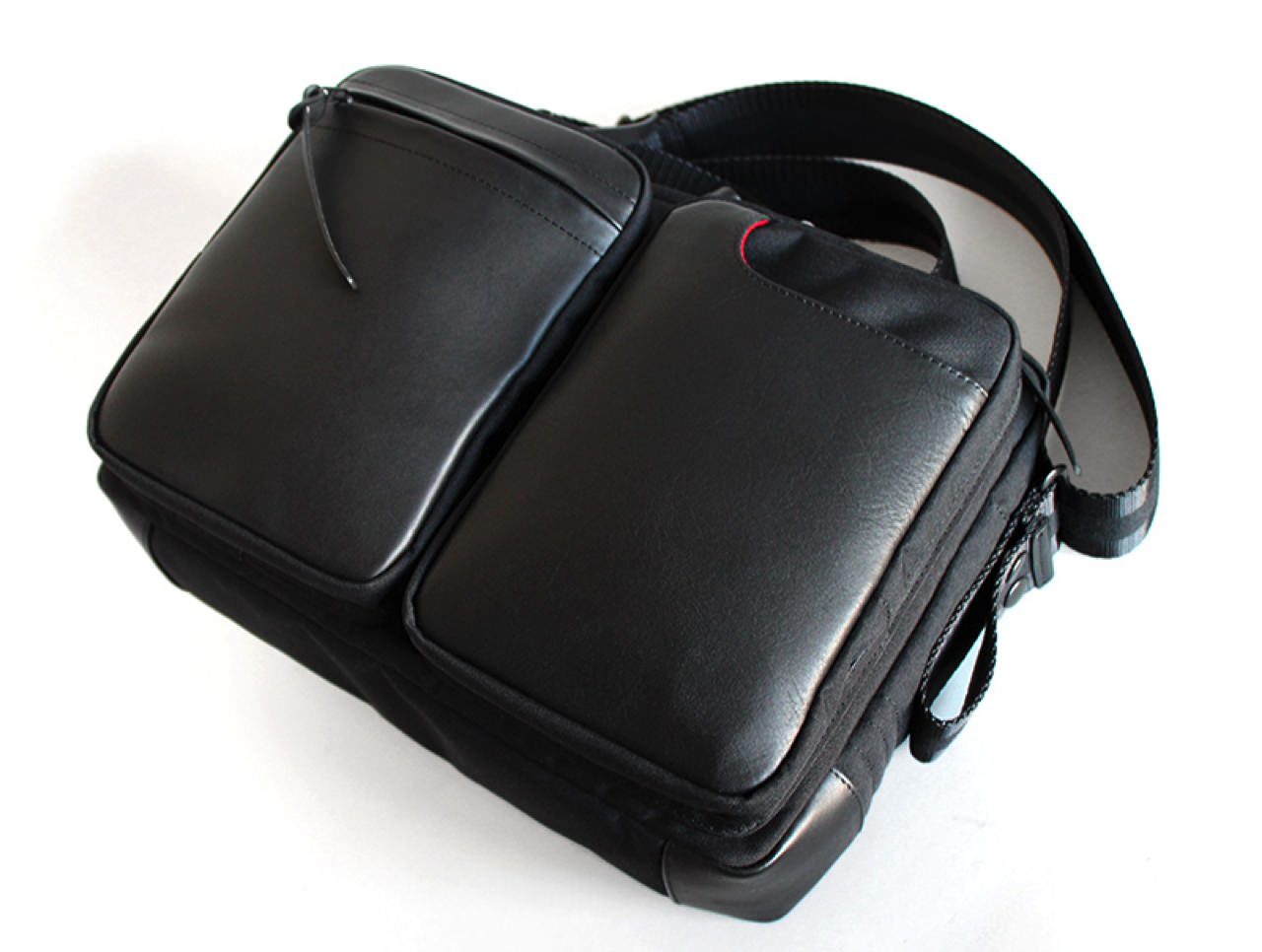 Reservation of the small shoulder bag 4g for the tablet started7