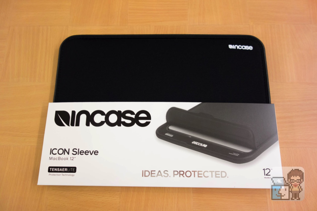 Incase 12 inch icon sleeve with tensaerlite for macbook1