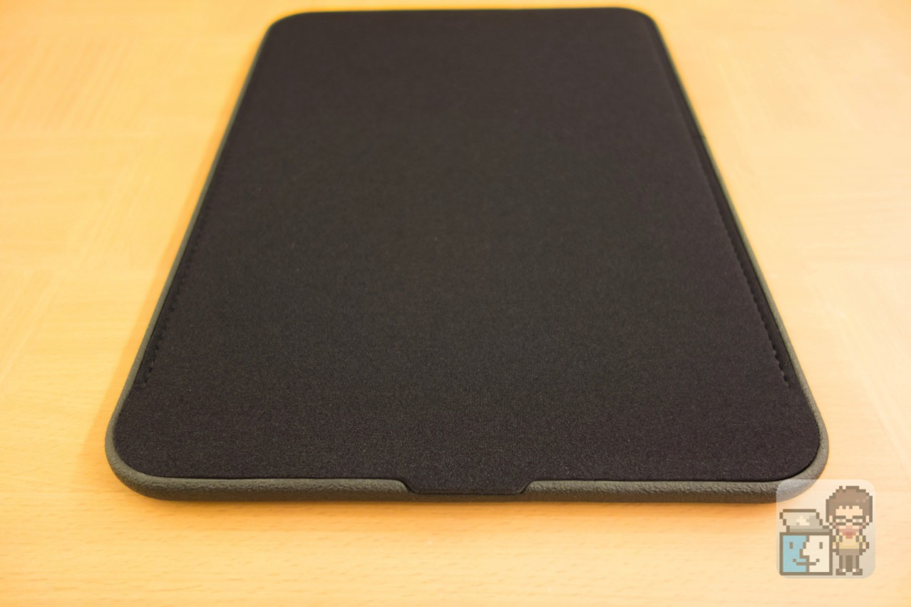 Incase 12 inch icon sleeve with tensaerlite for macbook5
