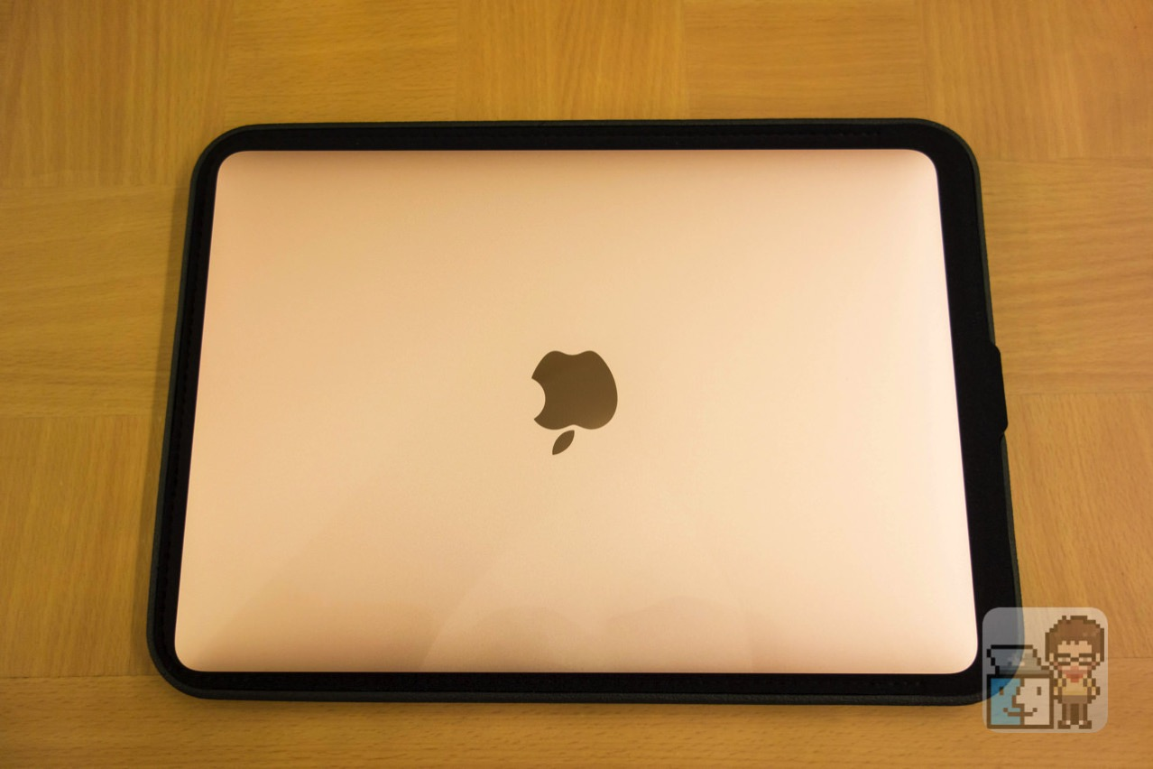 Incase 12 inch icon sleeve with tensaerlite for macbook7