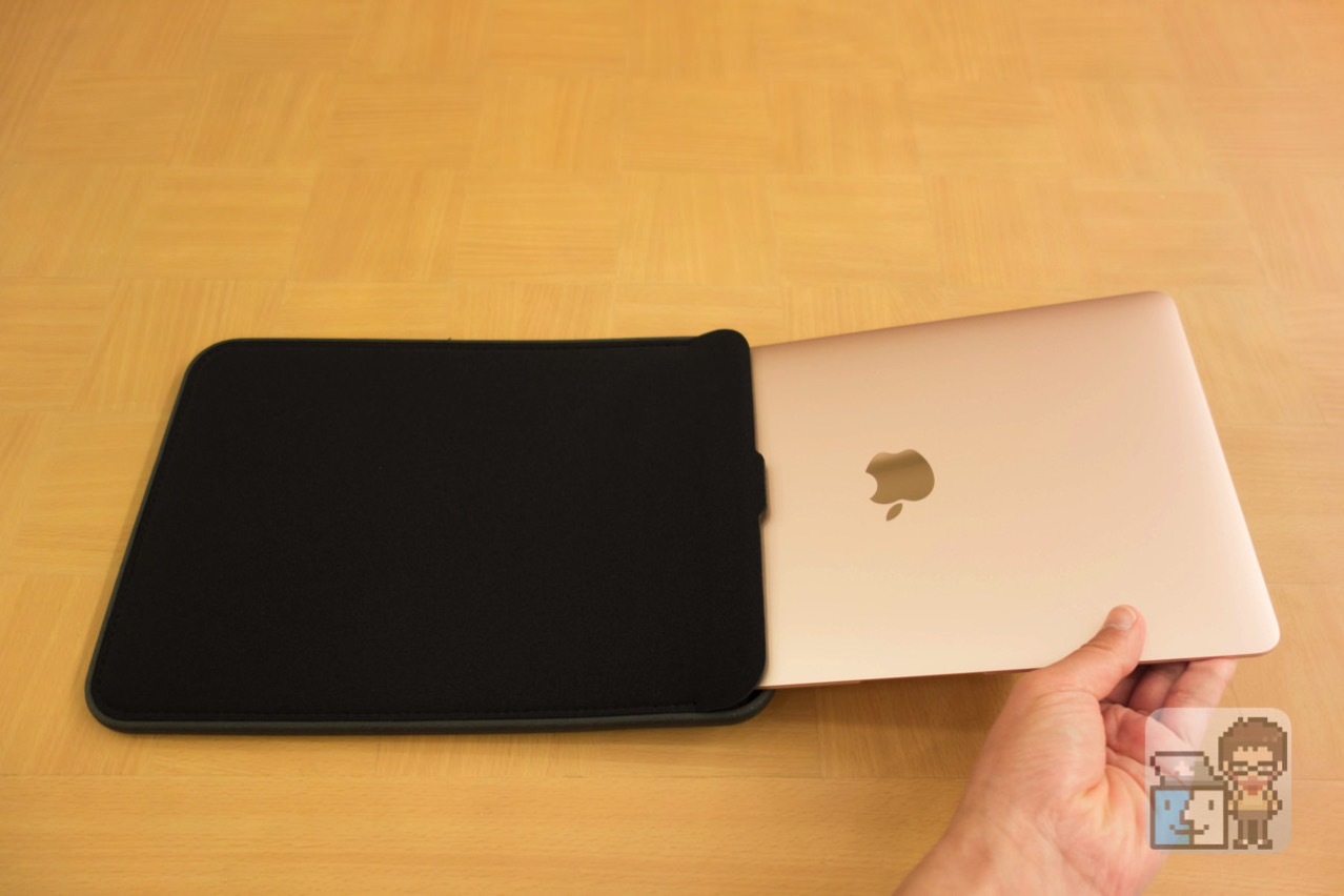Incase 12 inch icon sleeve with tensaerlite for macbook8