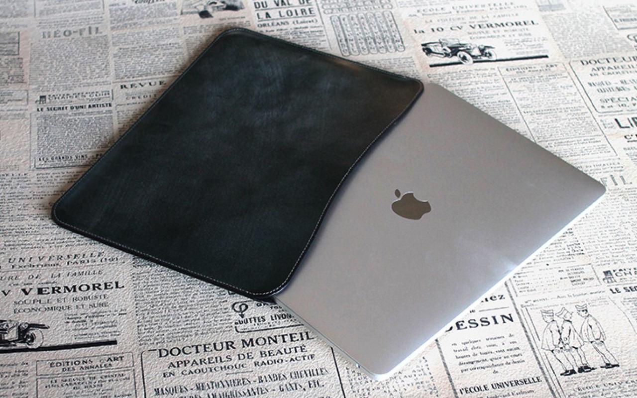 国立商店、MacBook Pro 13インチ ケース「職人が作るレザースリーブ ブライドルレザーモデル」を発売開始